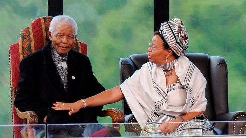 Mandela (L) and his wife Graca (R) in 2009.  EPA/ALEXANDER JOE / POOL