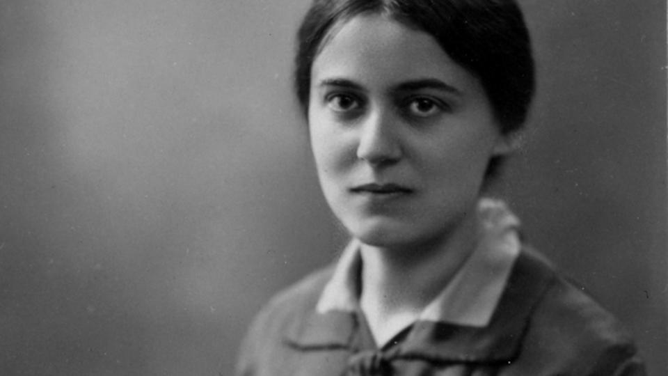 edith stein doctoral dissertation Though jewish, both women were strongly attracted to christianity arendt wrote her doctoral dissertation on saint augustine's edith stein, with her sister rosa.