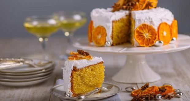 Alternative Christmas Cake.Alternative Christmas Cake