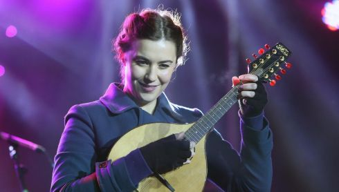 Lisa Hannigan joins carol singers for the Stars Choirs and Carols concert Photograph: Niall Carson/PA Wire