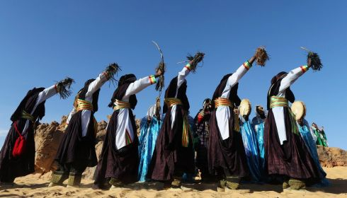 Dancing in line. Photograph: Esam Omran Al-Fetori/Reuters