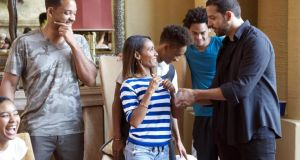 How does he do that? David Blaine with the actor Will Smith and his family
