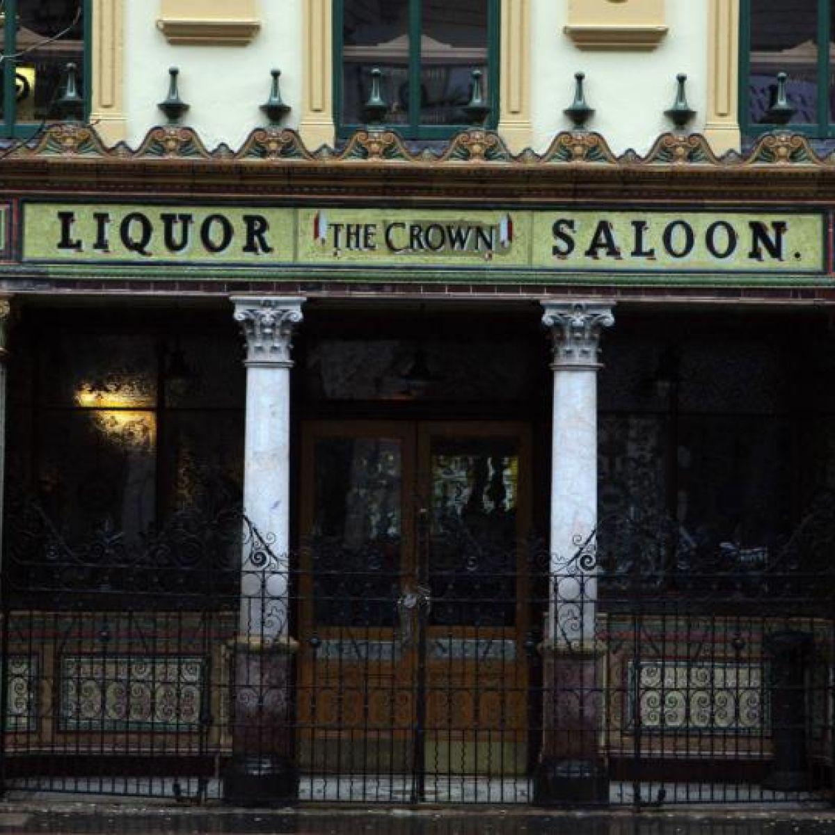 Belfast's Crown Bar closes after tenants miss last orders for liquor