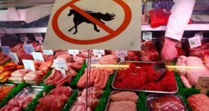 Meat producers and sellers in European Union member states should be bound by force of law to label produce so that people know the origin of what they are eating, according to members of the European Parliament.