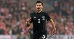 West Brom have agreed to sell Republic of Ireland international Shane Long to Hull City.