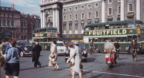 College Green in the evening rush hour on June 7th, 1961. Photograph: Charles Cushman