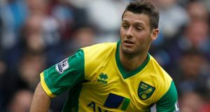 Norwich have turned down a transfer request from midfielder Wes Hoolahan.