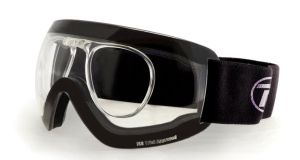 The goggles have been particularly developed for young players with eye problems and who are not yet ready to wear contact lenses. The cost of a pair of goggles is €74.