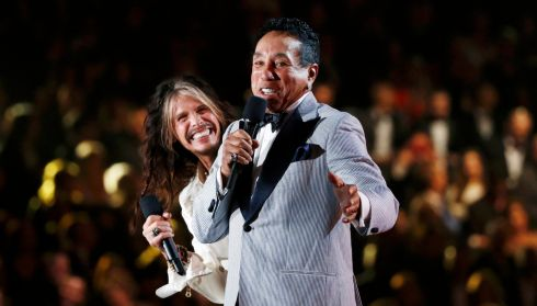 Steven Tyler and Smokey Robinson Jr larking about while presenting the award for Record of the Year. The two of them've been at this showbusiness lark a fair while at this stage, alright. Photograph: Mario Anzuoni/Reuters