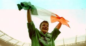 Brian O'Driscoll celebrates his hat-trick against France in 2000. Photograph: Billy Stickland/Inpho