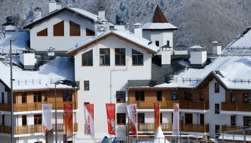 A general view of the accommodation at the athletes village in Rosa Khutor as preparations continue for the 2014 Sochi Winter Olympics February 1, 2014.  REUTERS/Mike Blake (RUSSIA - Tags: SPORT OLYMPICS)