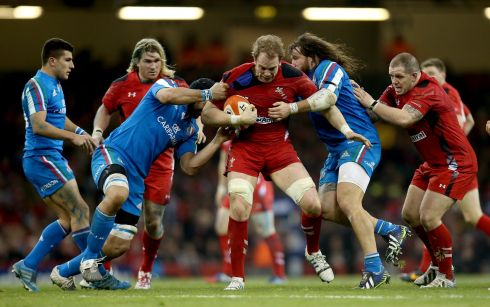Itay's Marco Bortolami and Martin Castrogiovanni try to stop Alun-Wyn Jones. Photograph: James Crombie/Inpho