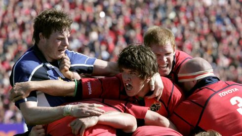In the thick of things against Leinster in the  2006 Heineken Cup semi-final at Lansdowne Road. Photograph: Billy Stickland/Inpho
