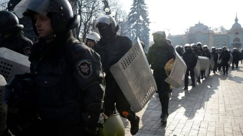 Riot police take up their positions near the Ukranian parliament. Photograph: Maks Levin/Reuters