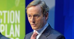 The Taoiseach defended Minister for Justice Alan Shatter in the face of criticism at Opposition leaders' questions