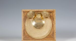 The Malachy Collar, a late 20th century, 18ct gold reproduction of the  Gleninsheen Gorget, which was commissioned by Aer Lingus and presented to John A Mulcahy in the 1970s. The estimate is €6,000-€8,000.