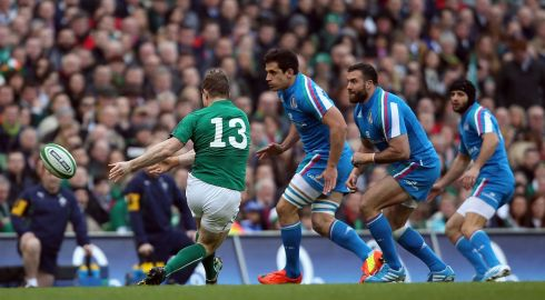 O'Driscoll gives the scoring pass to Jonathan Sexton for Ireland's first try. Photograph: Colm O'Neill/Inpho