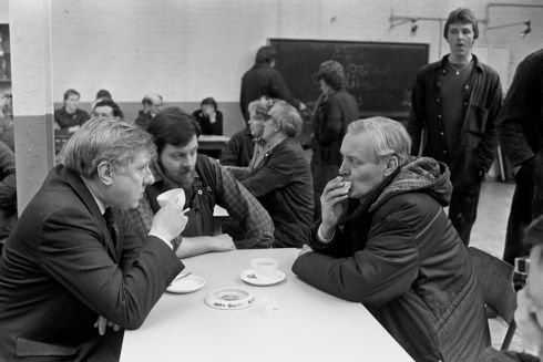 Benn and Roy Hattersley (left) with works convenor Mick Thorpe in his factory canteen in 1984. Photograph: PA Wire