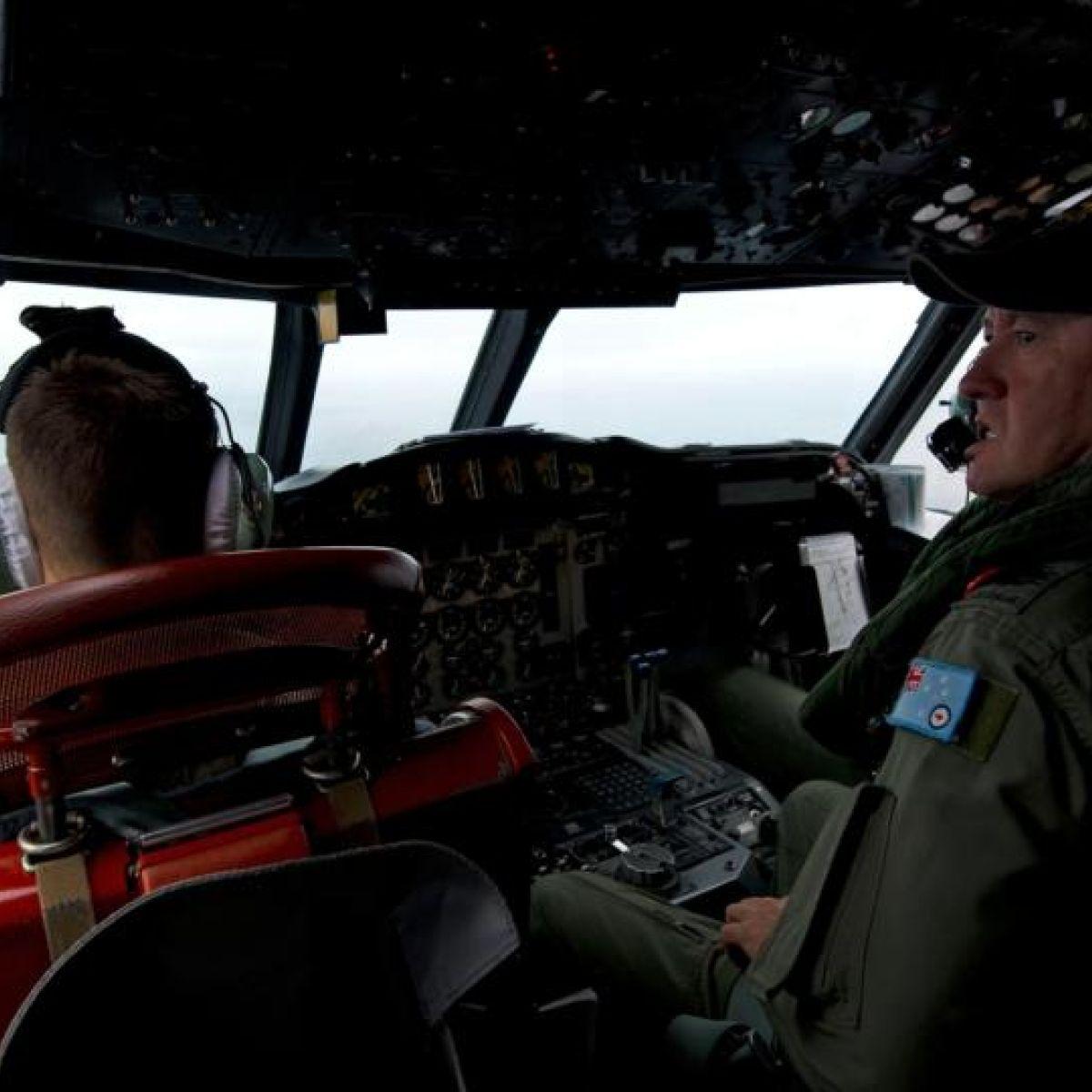 Australia says suspect Malaysia plane debris may have sunk