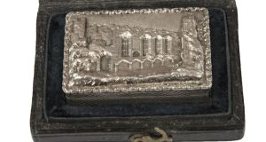 Silver vinaigrette in a fitted case, made in Birmingham in 1836, which made €3,000, 10-times the estimate (€250-€350) at Mealy's