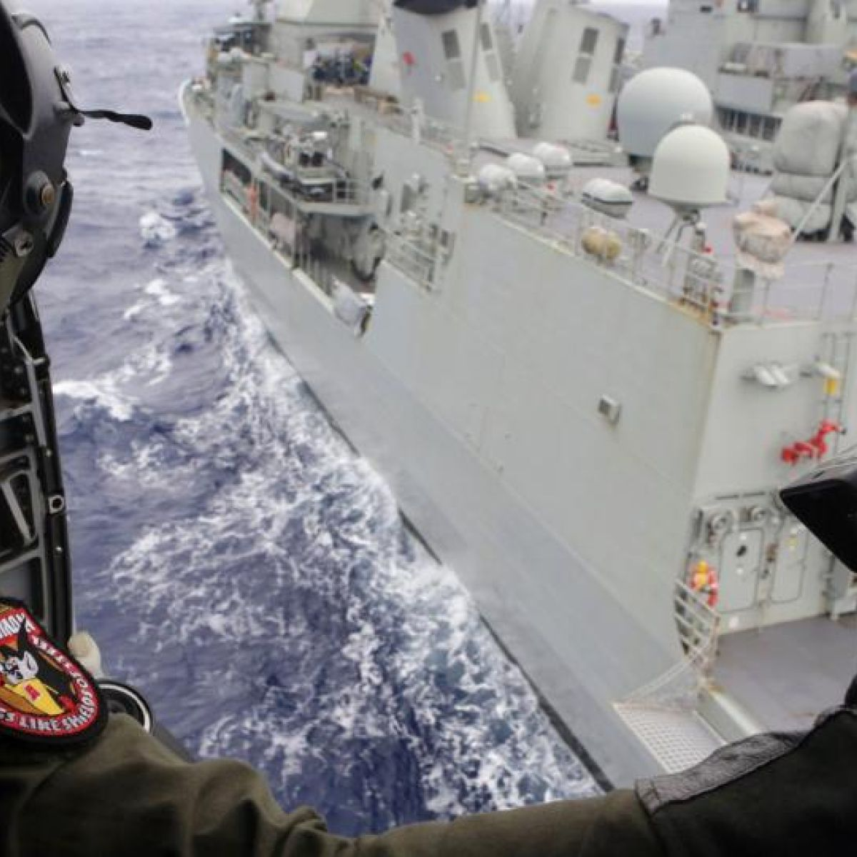 Search for Malaysian jet hits critical underwater stage