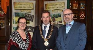 Senator Marie Louise O'Donnell with Lord Mayor of Dublin, Oisin Quinn, and Senator John Whelan as he launches the e-book.   Photograph: Michael Chester