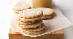 Hazelnut honey biscuits