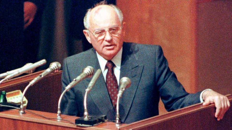 """Résultat de recherche d'images pour """"soviet union, Mikhail Gorbachev"""""""
