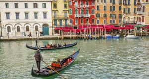 The Gondoliers' Union in Venice has announced plans to reduce the length of a traditional gondola ride from 40 to 30 minutes