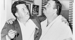 Brendan Behan with Jackie Gleason in Gleason's dressing room in 1960. Photograph: Walter Albertin / Library of Congress