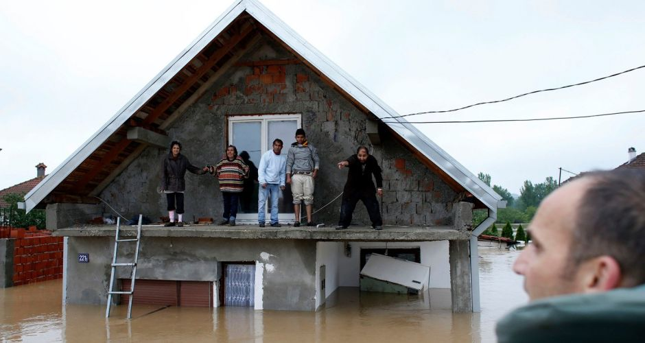 Balkans floods: Death toll rises