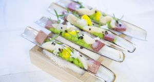 Razor clams at the Cliff House Relais & Châteaux celebration
