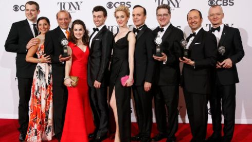 "The cast and crew of ""A Gentleman's Guide to Love & Murder"" pose together backstage with their awards. Photograph:  REUTERS/Andrew Kelly"