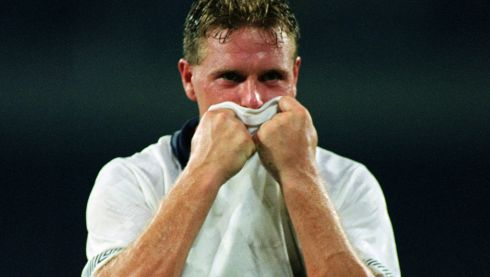 Paul Gascoigne of England bursts into tears after losing the FIFA World Cup Finals 1990 Semi-Final match between West Germany and England. (Photo by David Cannon/Getty Images)