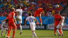 Arjen Robben inspires  as Dutch top  Group B