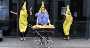 Aria-singing bananas and more feature in a series of pop-up opera performances around Dublin this weekend, presented by Wide Open Opera as part of the Dublin City Public Art Programme. Video: Darragh Bambrick