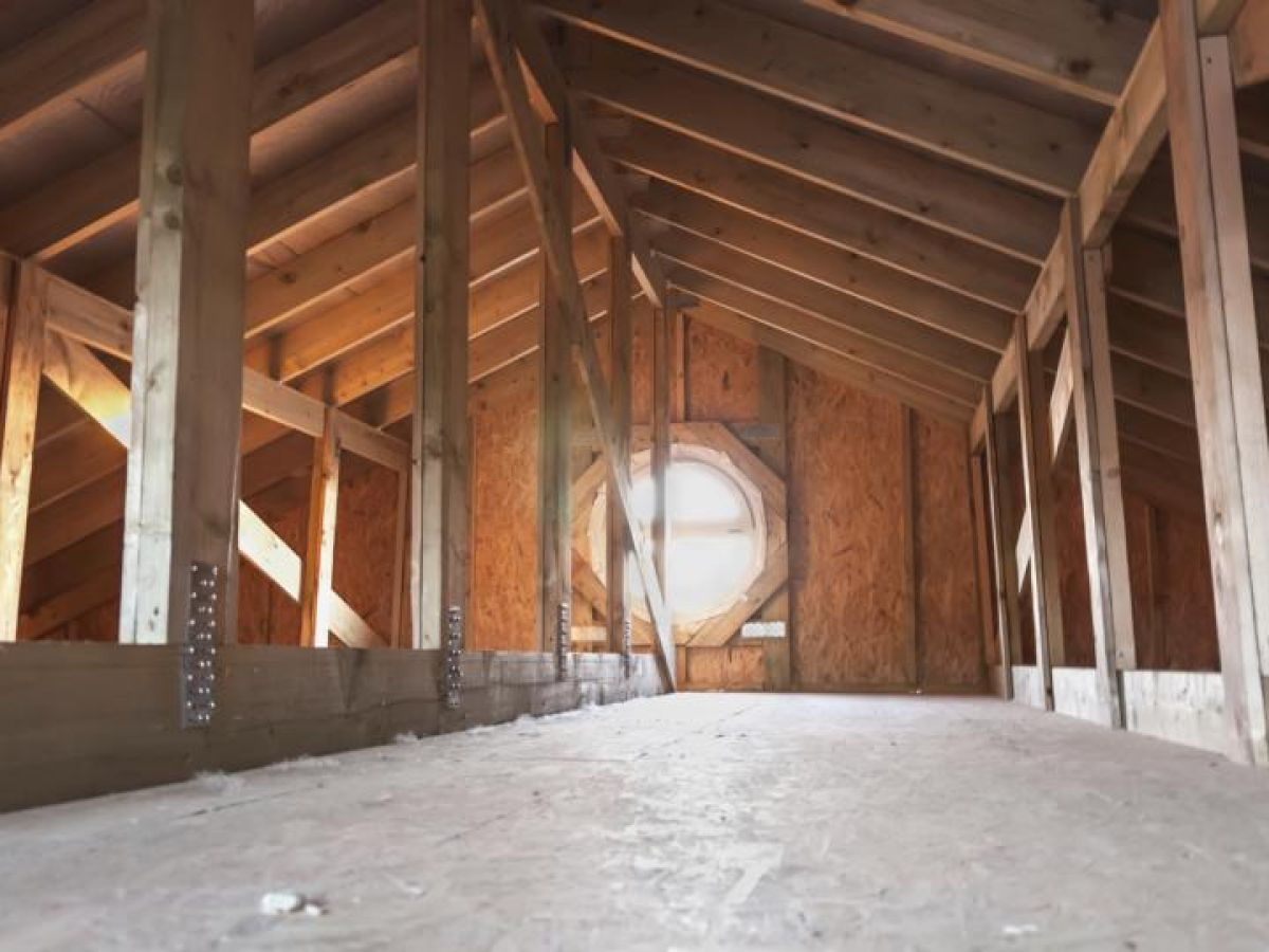 Property Clinic What Can I Do About Dampness In The Attic