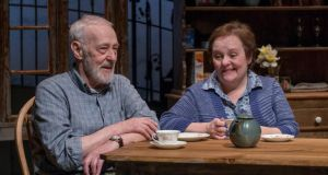 John Mahoney and Penny Slusher in Chapatti