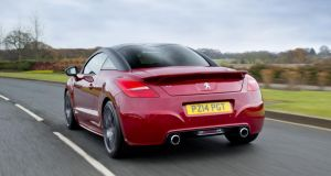 The RCZ-R's  'double-bubble' roof that pays homage to sports racers of the 1960s