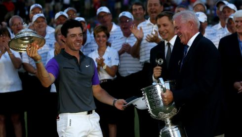 Tah-dah! Rory puts the lid on a great performance. Photograph: by Andrew Redington/Getty Images