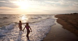 Sunset at Herring Cove Beach. Photographs : Kayana Szymczak for The New York Times