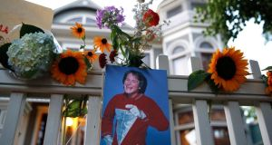 A makeshift memorial for Robin Williams is set up in front of a home  in Boulder, Colorado. Photograph Marc Piscotty/Getty Images