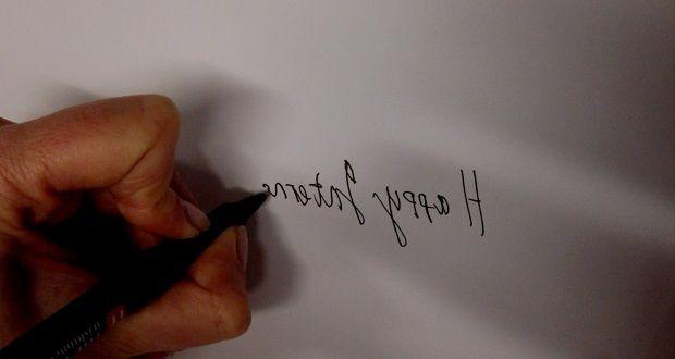 left handers celebrate day of being left handed