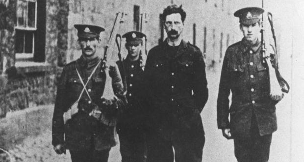 Éamon de Valera in custody following the 1916 Rising