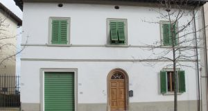 Italy Florence: €550,000  cluttonsitaly.com