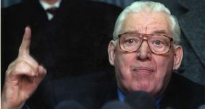 1998 - Peace settlement talks, Stormont Castle, and the Rev Ian Paisley ..... In whose interest? Photograph: The Irish Times