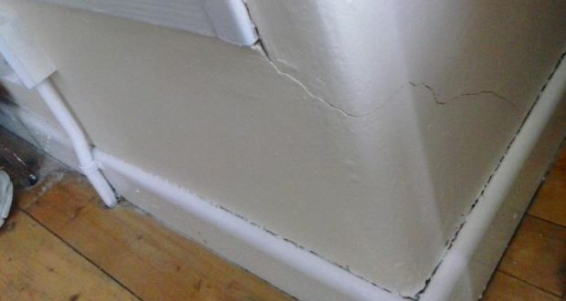 Should I Be Worried About Cracks In Walls