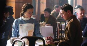 Keira Knightley (Cecilia) and James McAvoy (Robbie Turner) in Atonement