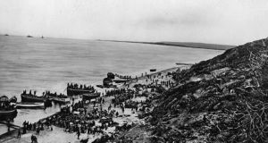 Troops landing at Suvla Bay in 1915.