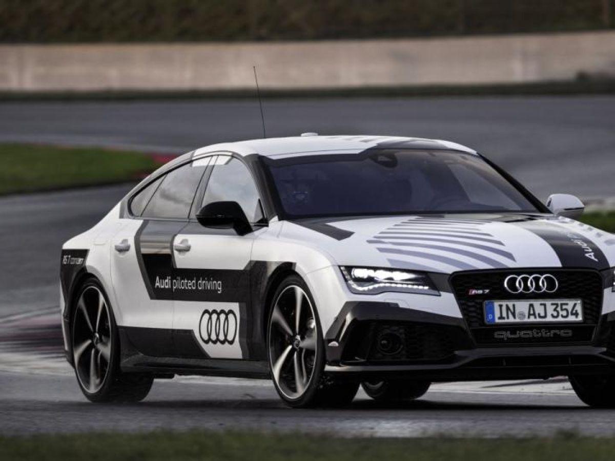 Audi Driverless Car Races Around Hockenheim Track At Mph - Audi driverless car